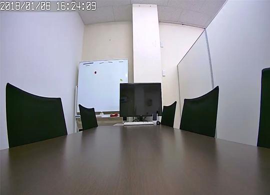 140°の広範囲を200万画素の綺麗な映像で監視できます。